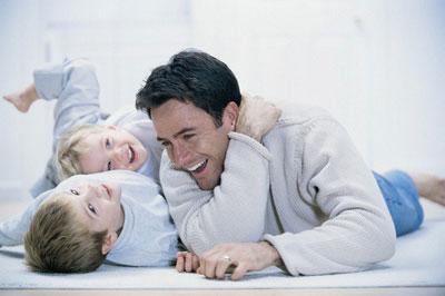 بازی کردن با کودکان